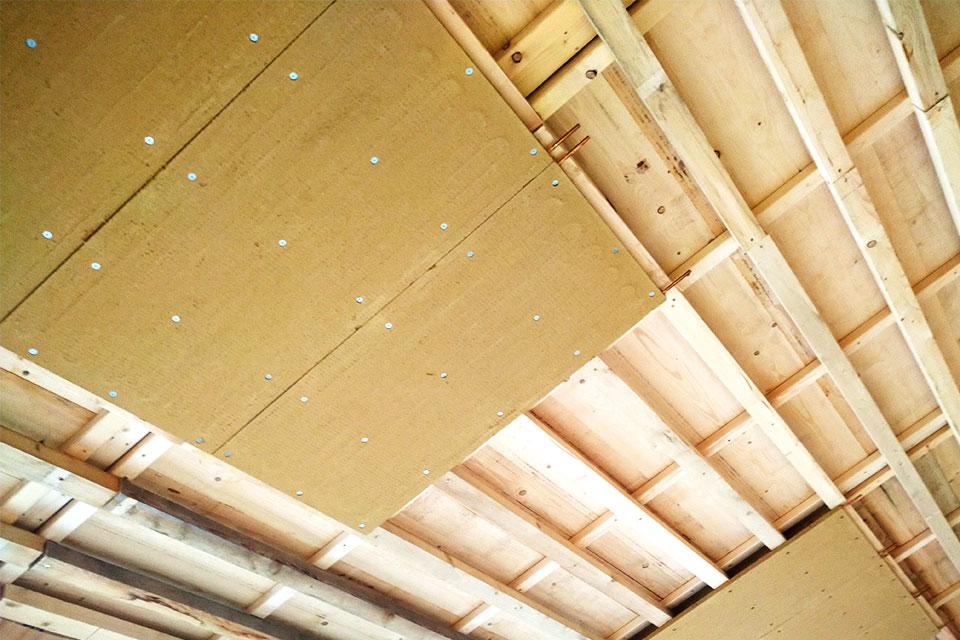 Deckenheizung mit Lehmbauplatten eingebaut